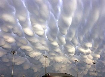 Pictures of the Different Clouds http://earthandlifesciences.blogspot.com/2012/06/17-captivating-clouds.html