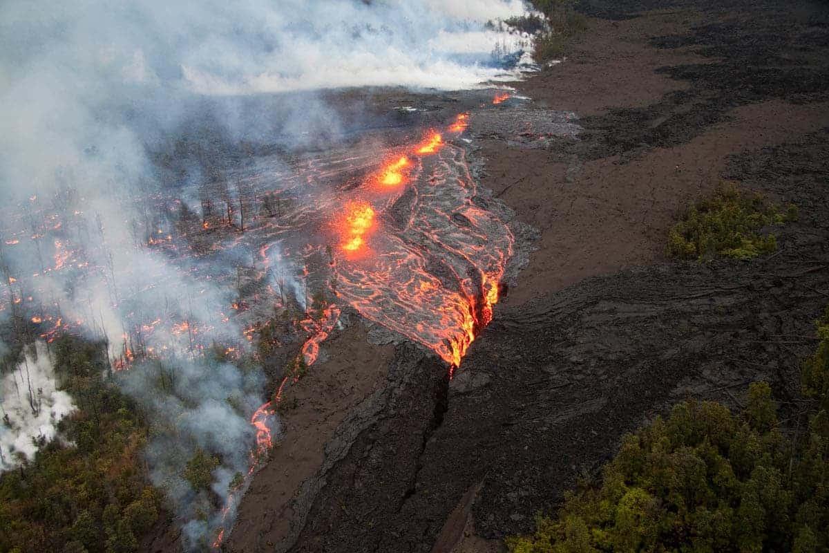 volcano erupting in hawaii
