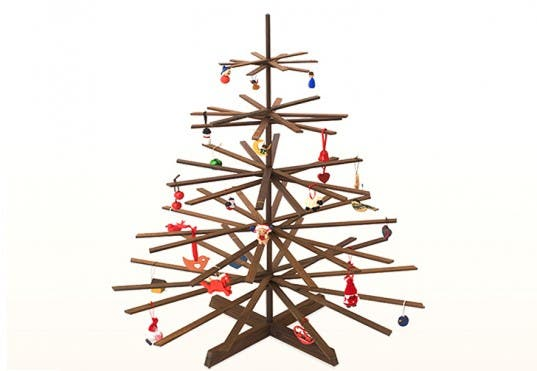Wooden Alternatives To Green Up Your Christmas Tree
