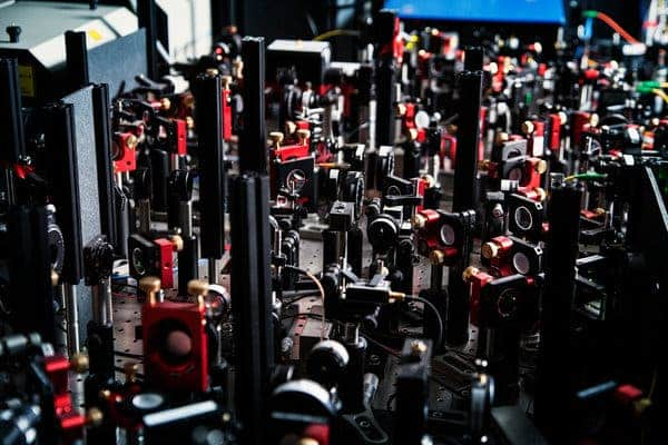 A myriad of optical elements employed by the dutch researchers.Photo: TUDelft