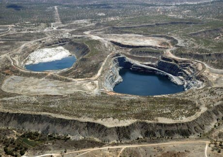 Kidston craters filled with water. Credit: Renewable Energy World